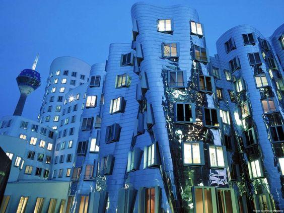 Dusseldorf o centro Financeiro e Cultural da Alemanha - Bilhete de Viagem