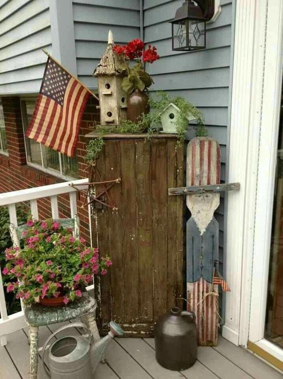 28 Stunning Rustic Style Fourth Of July Independence Day Decor Ideas Front Porch Decorating Porch Decorating Country Porch