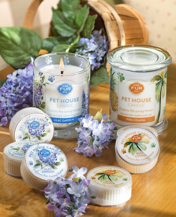 Pet House Candles Lilac Garden and Pina Colada: