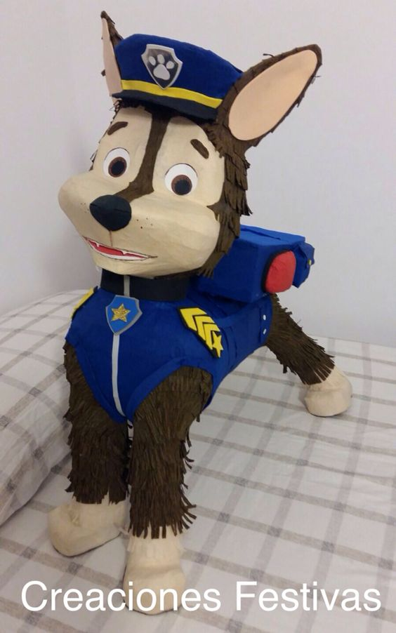 Piñata Chase-Patrulla canina. Visita nuestra boutique donde podrás encargar tu piñata elaborada a la medida. Enviamos a todas partes de Europa.