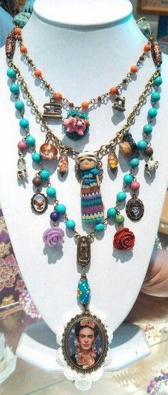Collar rosario Frida kahlo diseñado por deseos divinos de Guadalajara