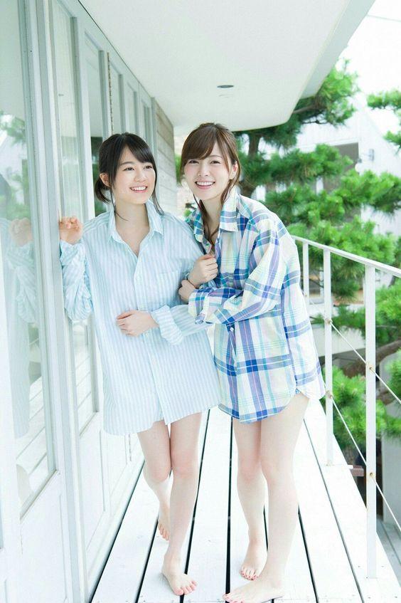 大きめのシャツの生田絵梨花