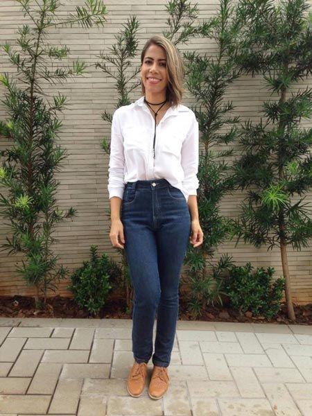 Calça jeans skinny + camisa branca + oxford