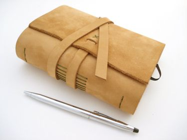 Tagebuch aus Leder, Lederbuch Notizbuch *safrangelb*
