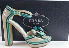 Süße Original PRADA Sandalen, mit Blumen, 39,5
