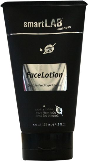 smartLAB®FaceLotion  Gesichts-Feuchtigkeitslotion.   Eine mineralreiche Lotion, die der Haut Feuchtigkeit spendet und sie erfrischt. Trägt zur Straffung der Haut bei.  Es ist empfehlenswert, smartLAB®wellness FaceLotion vor dem Auftragen von Make-up anzuwenden. Großzügig im Gesicht verteilen und verreiben, bis die komplette Lotion aufgenommen wurde.