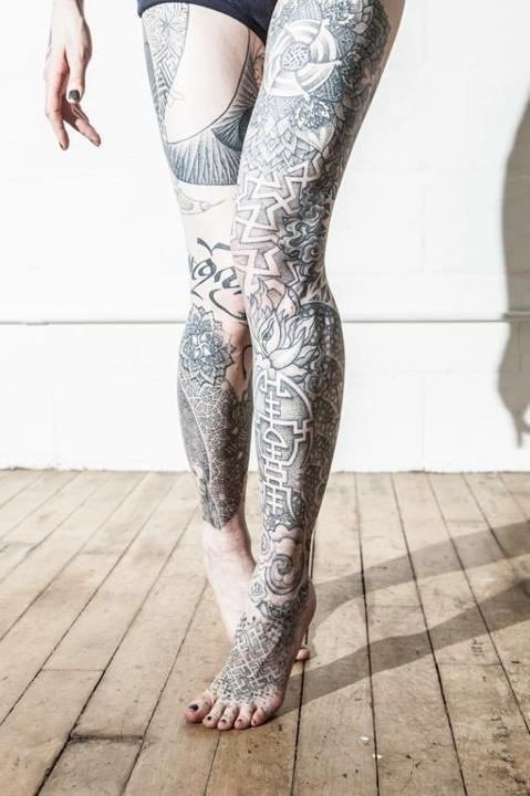 101 sexiest thigh tattoos for girls thightattoos for Leg sleeve tattoo girl