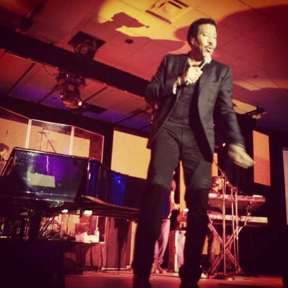 Liberty Mutual Landlord Insurance  | Lionel Richie performing at the Liberty Mutual Insurance Legends ...