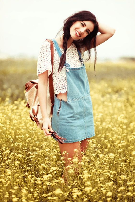 This is really cute I think I might try a look like this in the summer! :):