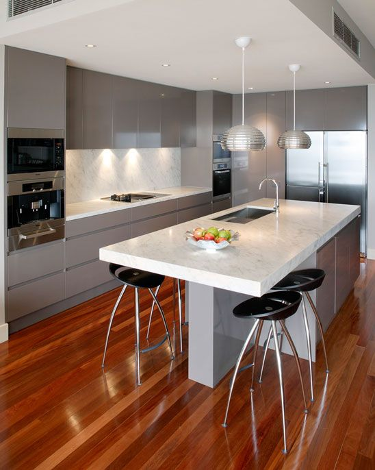 Cut Price Kitchens Sculptured Grey Gloss Kitchen. Stylish And Modern  Design. Wrapped In High Gloss Dark Grey Pvc. Integral Handle To Create A  Minimu2026