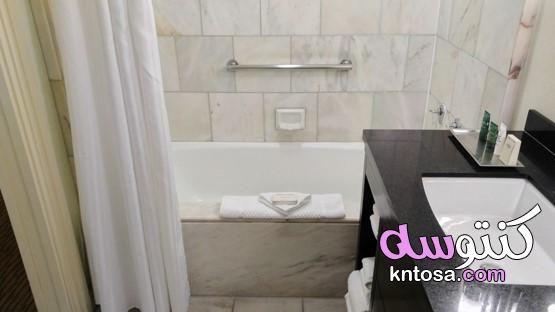 كيفية تنظيف بلاط الحمام طريقة تنظيف الحمام كيفية تنظيف سيراميك جدران الحمام Bathtub Alcove Bathtub Bathroom