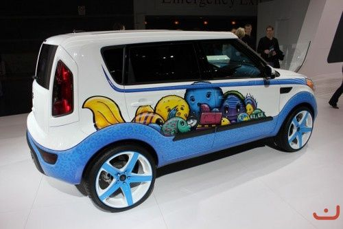 custom #Kia Soul paint job ...