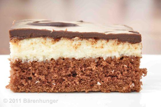 Schokoladen Kokos Kuchen  nach einem Rezept bei Chefkoch.de    für ein großes Blech  Teig  200gr Mehl  200gr Zucker  200gr Butter  4 Eier  4...