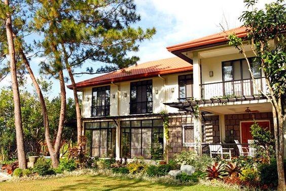 Tropical Filipino Design For A Family Home