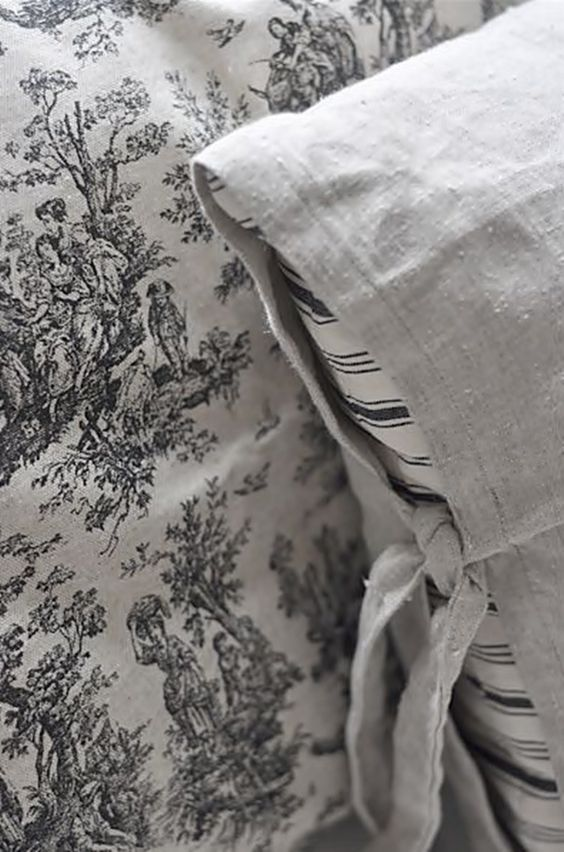 <3 Love The Black and White Stripped Pillow~