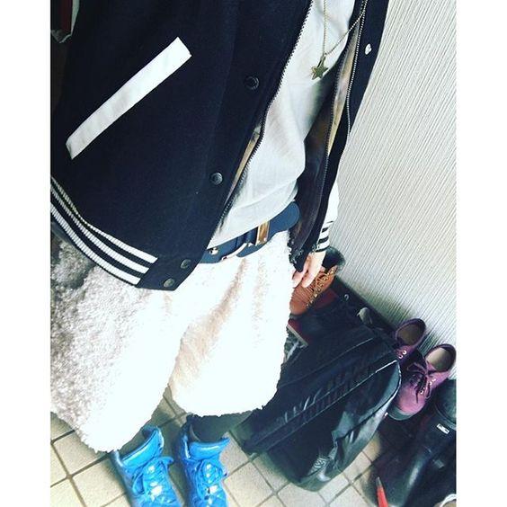 chiiiitata今日は映画行く(﹡ˆ﹀ˆ﹡) #アディダス #ハーフパンツ #今日のコーデ #青スニーカー #ピンクとグレー