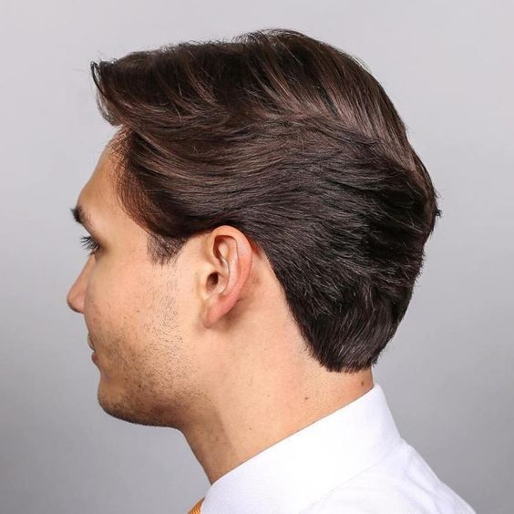 Uniform Layer Men S Haircut With A Curly Messy Pompadour Top Mens Messy Hairstyles Messy Hairstyles Messy Short Hair
