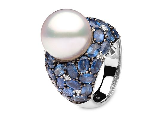 Yoko London 18kt white gold ring with 14-15mm South Sea pearl, 0.09ct diamonds and 10.76cts sapphires.