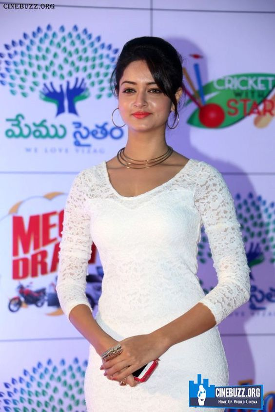 Latest Stills of Shanvi Srivastava Check more at http://cinebuzz.org/pics/tollywood-unsensored/latest-stills-of-shanvi-srivastava/