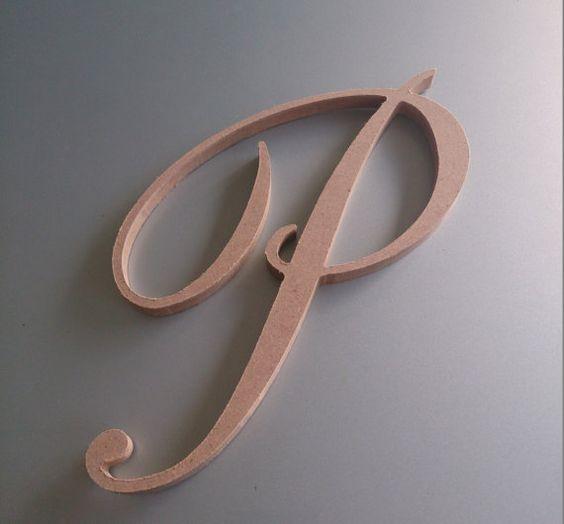Lettere di legno - Monogramma in legno...Utilizzato come topper per cake design e successivamente rivestito in foglia d'oro