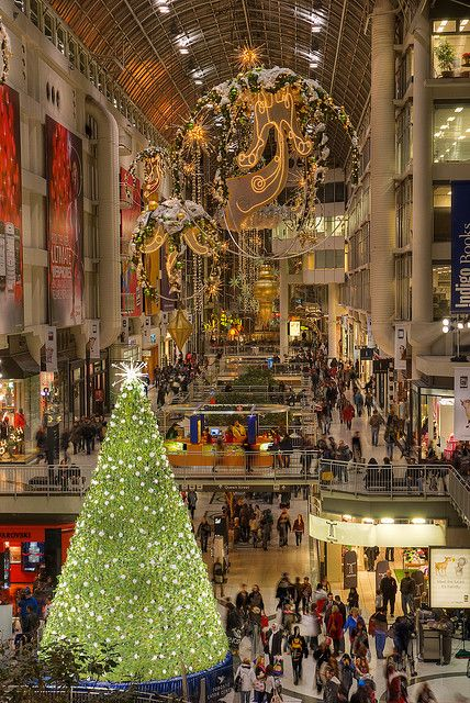 Christmas at The Eaton Centre in Toronto, Canada. Wow, I can't believe I haven't been there at Christmas.: