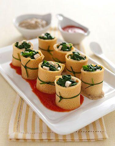 Rotolini di crepes di ceci e spinaci Un modo originale per creare un antipasto utilizzando la farina di ceci. Un piatto con un ripieno sosta...