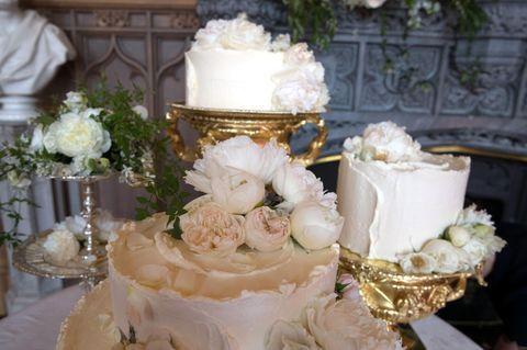 Dieser Hochzeitskuchen Erwartet Die Gaste Die Eine Einladung Fur Den Empfang Bekommen Haben Me Konigliche Hochzeitstorten Torte Hochzeit Hochzeitstorte Ideen