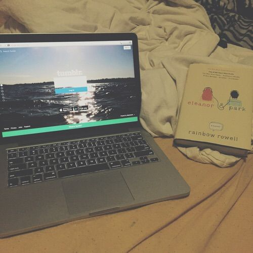 Image via We Heart It https://weheartit.com/entry/175393829/via/32779000 #apple #book #books #boy #cute #girl #goals #grunge #laptop #laptops #life #tumblr #weekend #netflix