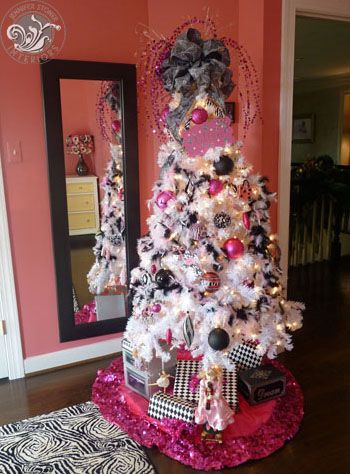 Parisian themed tree in a six year old little girl's room ...