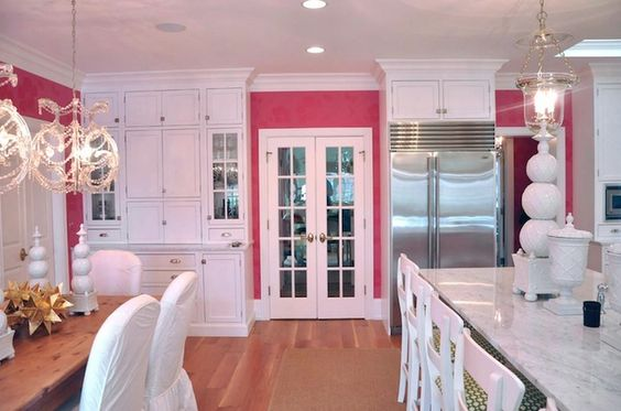 LOVE THIS! If I was still as into pink as I was as a teenager this would be the kitchen I'd want...