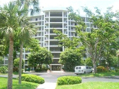 821 Cypress Blvd., Pompano Beach, FL. A Palm Aire condo
