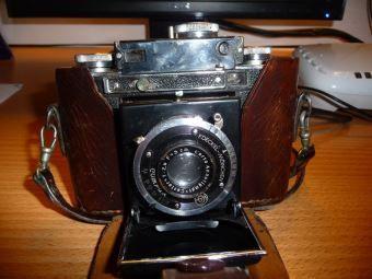 F. Deckel Kamera mit Lederetui - Wert? http://sammler.com/foto/#Mails