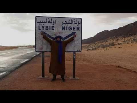 رحلتي إلى أقصى جنوب شرق صحراء الجزائر حدود النيجر و ليبيا الجزء الأول Highway Signs Libya Videos