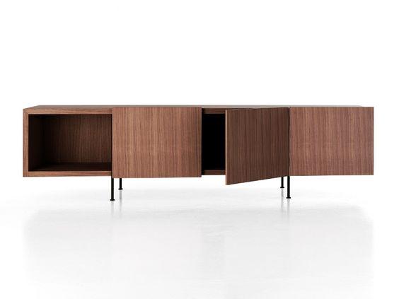 Aparador de madera con puertas TILLER by Porro diseño Piero Lissoni
