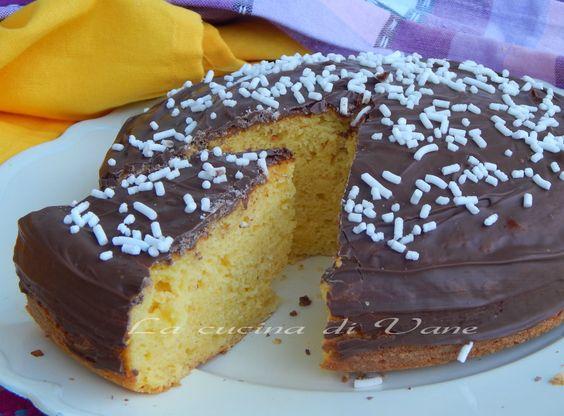 Toetà ricotta arancia e cioccolato, torta soffice e golosa, con succo di arancia e ricotta fresca senza olio e burro, con tanto cioccolato al latte sopra