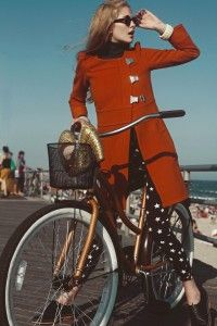 red coat + sunnies on a crisp afternoon: Cycle Chic, Fashion Style, Fashion Editorial, Redcoat, Red Coats, Bike Style
