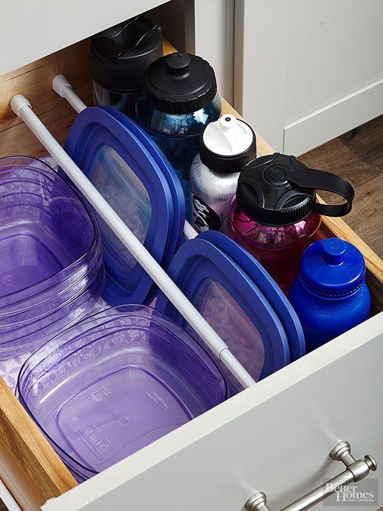 Os varões podem ser úteis na gaveta da cozinha também, para separar itens. #organização #gaveta: