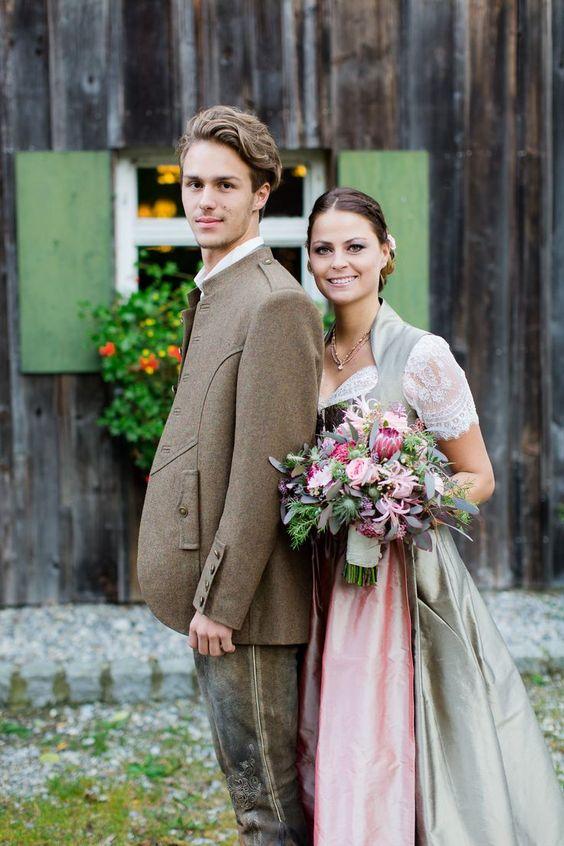 Trachtenhochzeit Rustikale Eleganz Brautpaar in Tracht #hochzeit #trachtenhochzeit