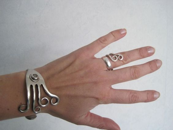 Bracelet made of fork and ring made of cake fork