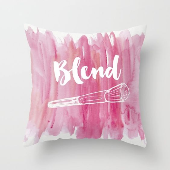 Decorative Pillows Makeup : Vanity decor, Pink vanity and Makeup brushes on Pinterest