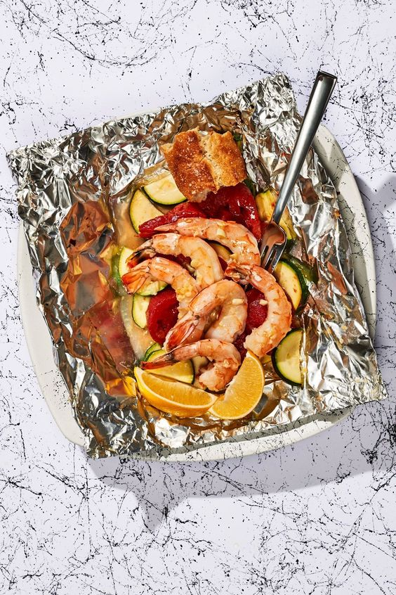 Garlicky Shrimp With Zucchini & Tomato