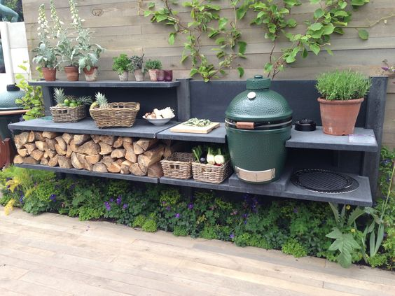 Anthracite WWOO kitchen in the Big Green Egg stand at the Chelsea Flower Show in London!