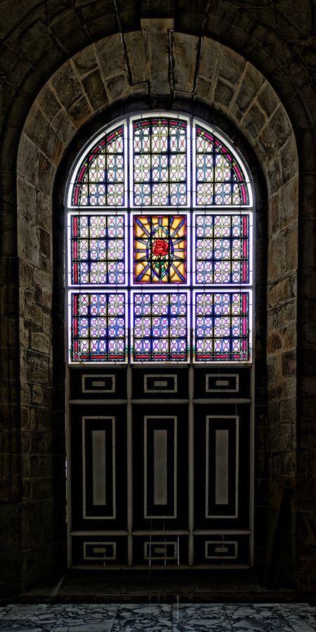 Espectaculares vitrales en Catedral Nuestra Señora del Socorro Stained Glass Door, Socorro, Colombia by Adam Rainoff on 500px