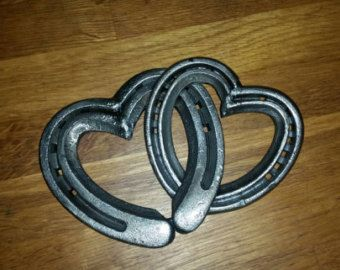 Lucky horseshoe linked hearts