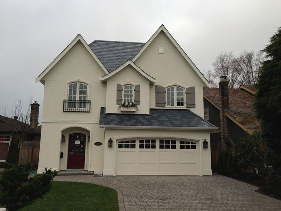 Custom paint door design and wood garage doors on pinterest for 16x7 garage door with windows