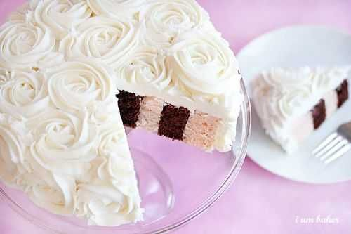 Rose pattern. And a vertical layer cake. I shall conquer this one day.
