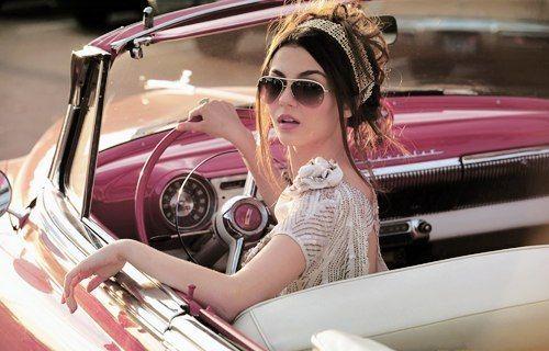 retro chica autos romantica