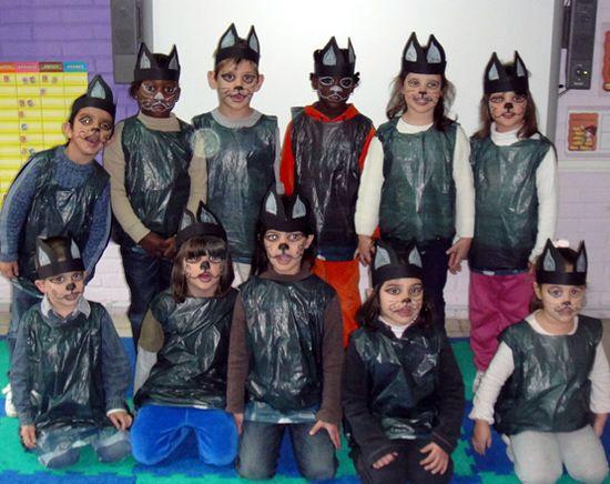 Resultado De Imagen De Disfraces Con Bolsas De Basura Fashion Academic Dress Playgroup