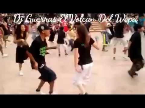 Cholos Bailando Cumbias Wepa Cumbia Del Chavo Del 8 Youtube Cumbia Baile Youtube