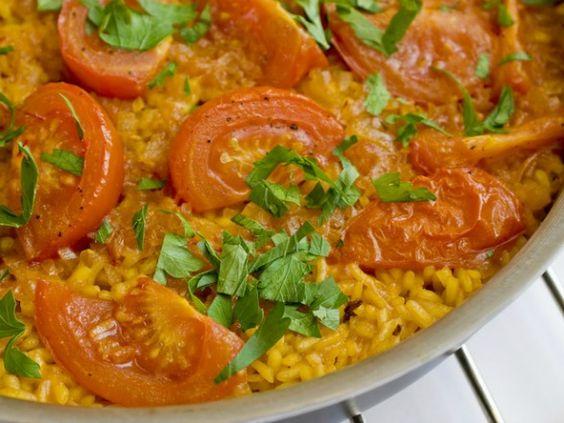 paella with tomatoes- Mark Bittman's vegetarian version